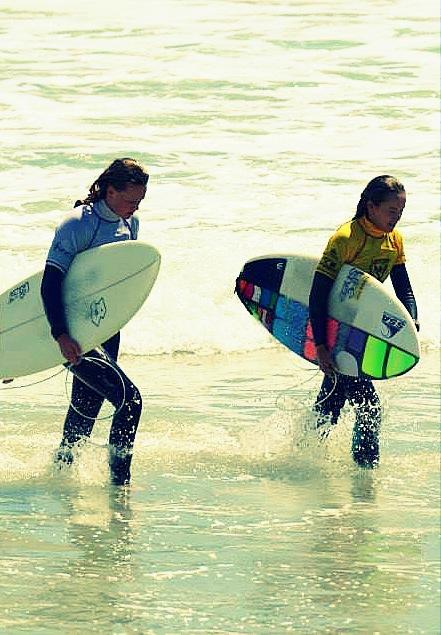 amanzi magazine surfing friends