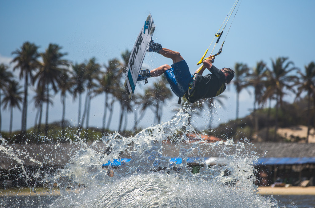 Phil Larcher Kiteboarder captures the first blind kiteboarder on video