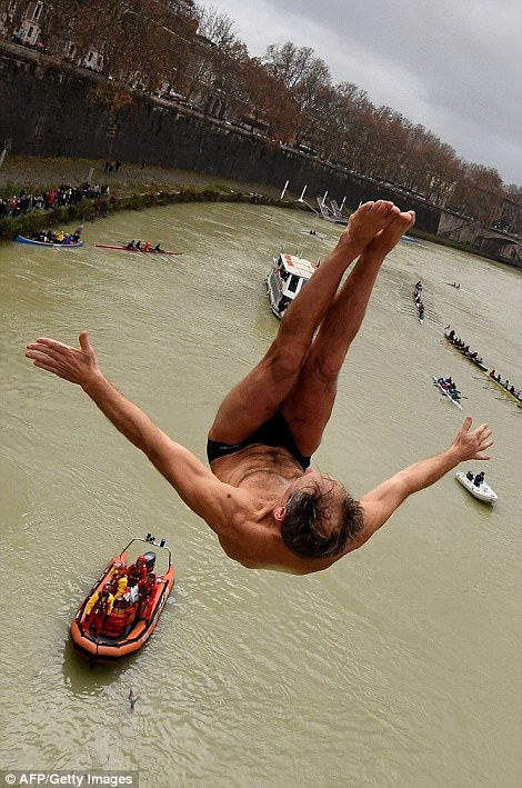 Tiber river dive New Year's Swim