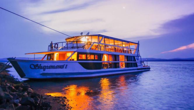 Shayamanzi Houseboat water adventures